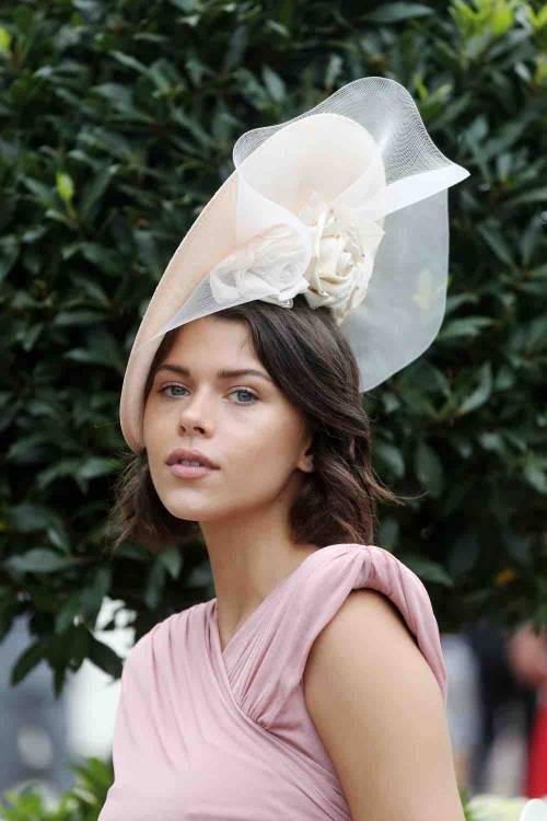 I cappelli e i look più curiosi del Royal Ascot 9