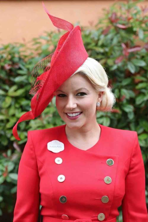 I cappelli e i look più curiosi del Royal Ascot 10