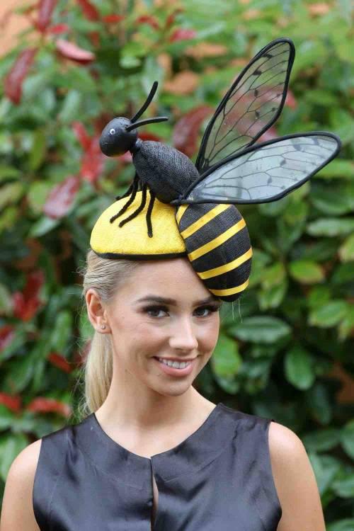 I cappelli e i look più curiosi del Royal Ascot 11
