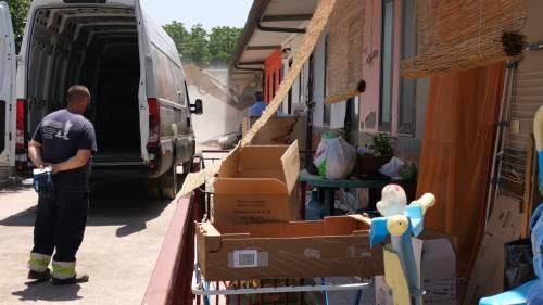 Abusivi e inagibili, abbattuti appartamenti nel Napoletano 9