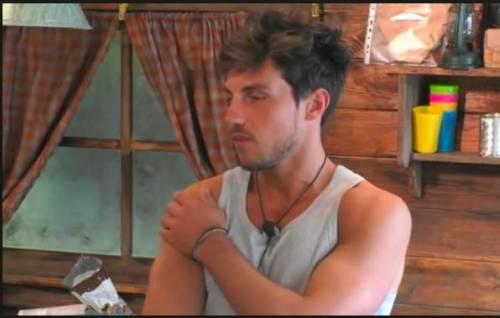"""GF, Daniele ironizza su Irama e la canzone dedicata a Martina: """"Anche su questa latta qua?"""""""