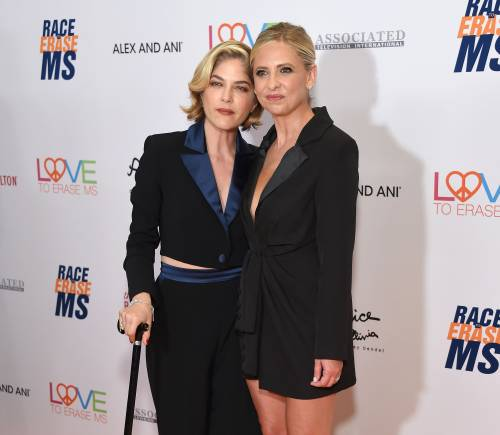 Sarah Michelle Gellar ricorda il bacio lesbo con Selma Blair