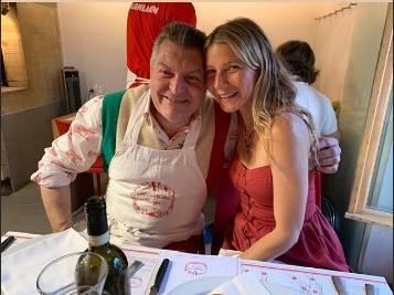 Gwyneth Paltrow vacanze toscane, spunta la foto con Dario Cecchini