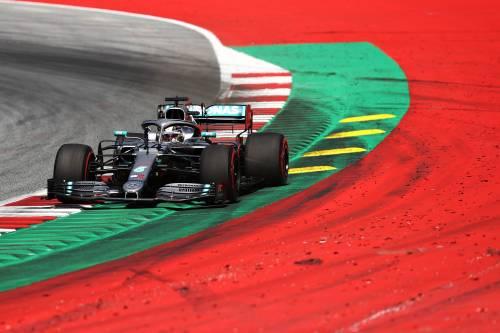 Formula Uno, Hamilton partirà quarto