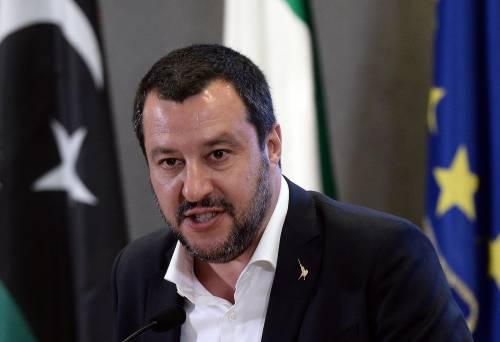 """Giallo sui soldi russi alla Lega. Salvini: """"Mai preso un rublo, pronto a querelare"""""""