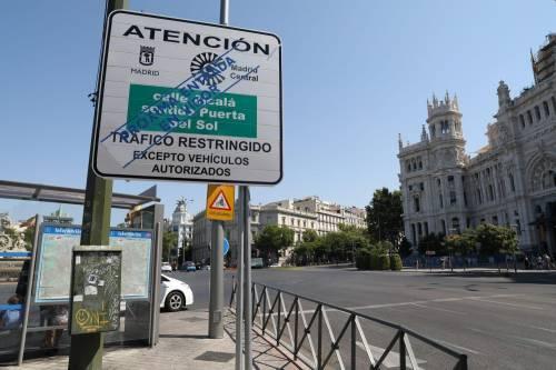 """Madrid, neo sindaco di destra cancella Ztl: """"È una cosa di sinistra"""""""