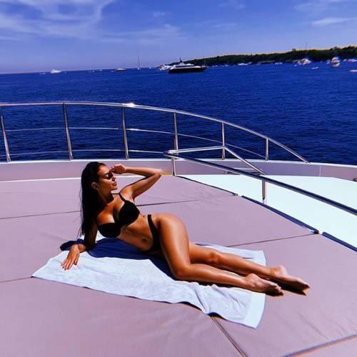 Gli scatti sexy di Georgina Rodriguez: follower in delirio 3