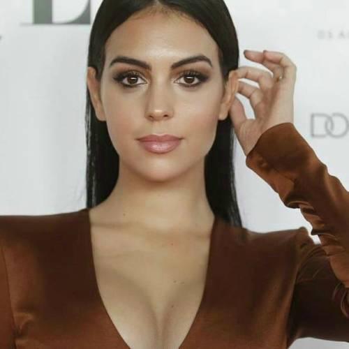 Gli scatti sexy di Georgina Rodriguez: follower in delirio 8