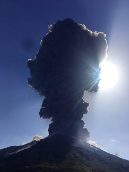 Stromboli, eruzione sull'isola 3