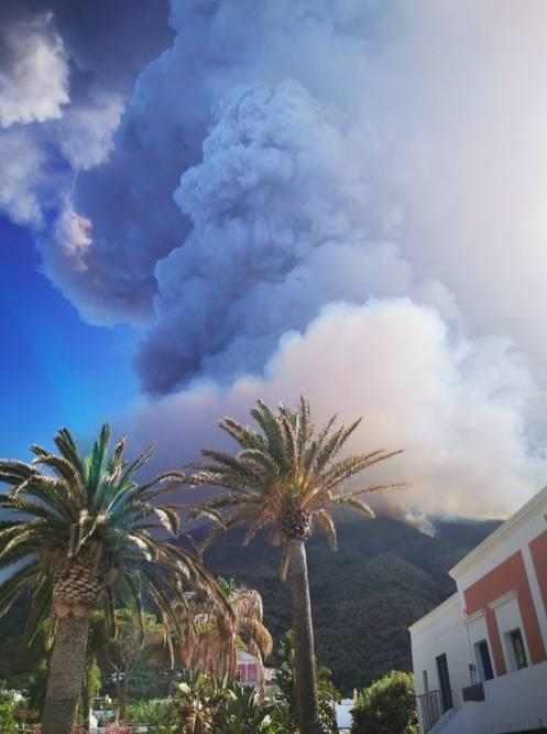 Stromboli, eruzione sull'isola 5