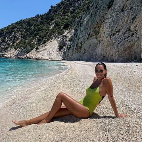 Debora Salvalaggio incanta su Instagram: gli scatti di lady Quagliarella 4