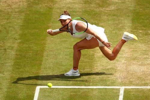 Simona Halep annienta Serena Williams. Prima affermazione a Wimbledon
