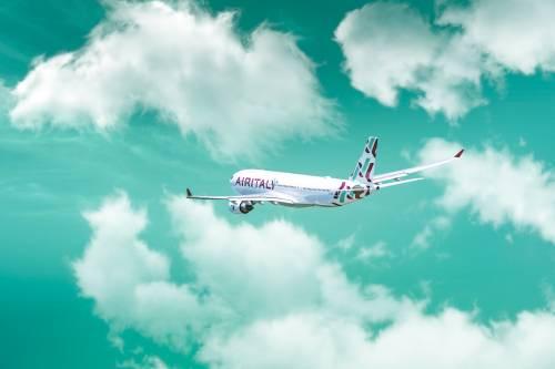 Olbia, paura in volo: atterraggio di emergenza per un aereo Air Italy