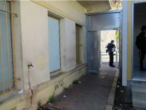 I rapporti e le foto sui container francesi per i migranti 4