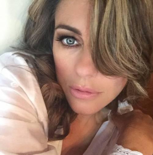 Liz Hurley, le immagini più sexy 5