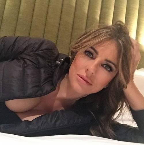 Liz Hurley, le immagini più sexy 1