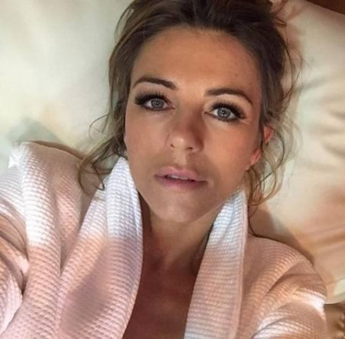 Liz Hurley, le immagini più sexy 12