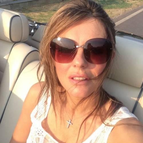 Liz Hurley, le immagini più sexy 3