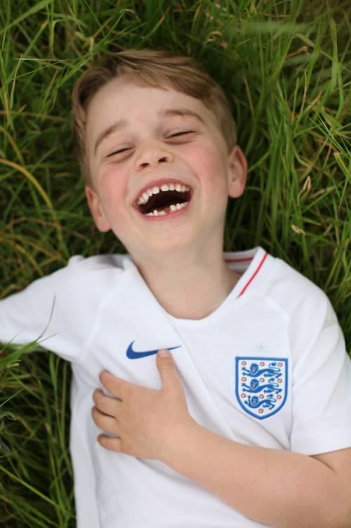 Il principe George compie 6 anni. Le foto di mamma Kate 3