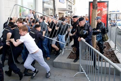 Mosca, 638 manifestanti anti Putin sono stati arrestati 2