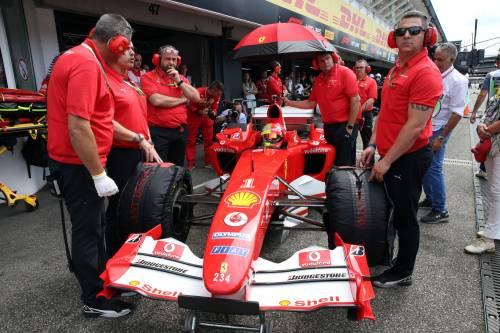 Mick Schumacher sulla Ferrari del papà: le foto più belle 7