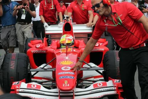 Mick Schumacher sulla Ferrari del papà: le foto più belle 9