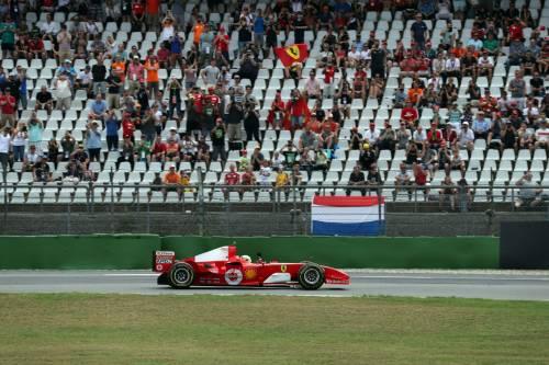 Mick Schumacher sulla Ferrari del papà: le foto più belle 10