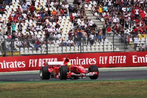 Mick Schumacher sulla Ferrari del papà: le foto più belle 11