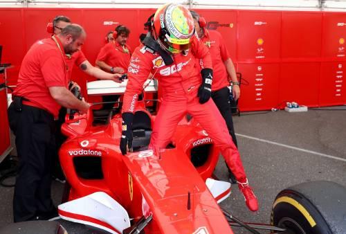 Mick Schumacher sulla Ferrari del papà: le foto più belle 3