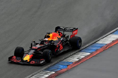 Formula Uno, spettacolo e caos ad Hockenheim. A vincere è Verstappen