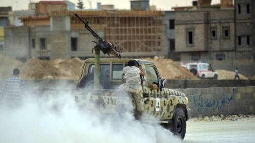 """Libia, Haftar ha """"tagliato"""" la via che rifornisce Tripoli e Misurata"""