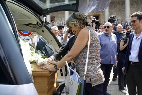 Carabiniere ucciso a coltellate, mille persone per l'ultimo saluto 4