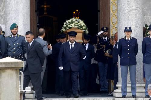Carabiniere ucciso a coltellate, mille persone per l'ultimo saluto 8