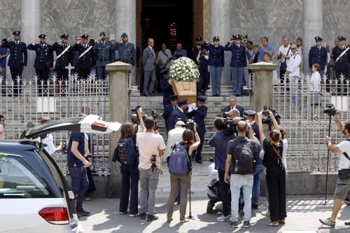Carabiniere ucciso a coltellate, mille persone per l'ultimo saluto 9