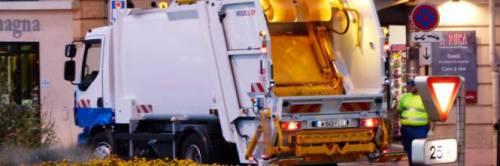 """""""Bidone giallo, positivi"""". Ed è polemica sui rifiuti"""