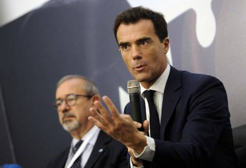 """Adesso Macron """"silura"""" Gozi: il renziano abbandona Parigi"""