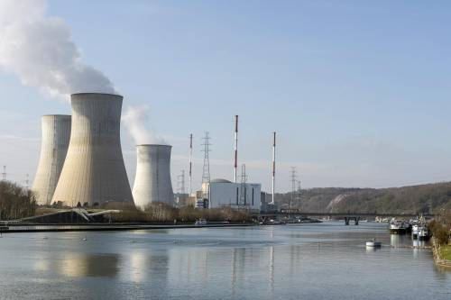 In Francia sei reattori nucleari sono a rischio