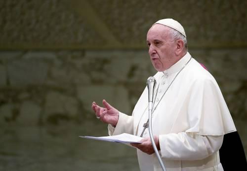 """Papa Francesco contro i sovranisti: """"Portano alle guerre, salviamo l'Europa"""""""
