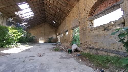 Sciacalli e senzatetto, così Napoli abbandona i suoi beni 1