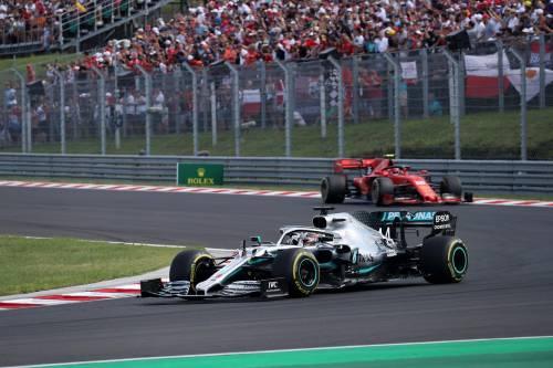 Formula Uno, Hamilton beffa Verstappen. Terzo posto per Vettel