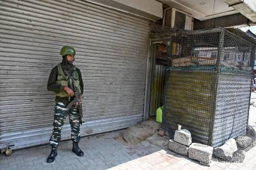 Kashmir, allarme terrorismo: evacuate 20mila persone