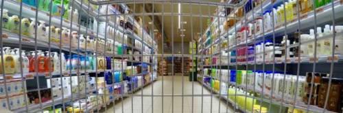 Ladre romene rubano al Carrefour e nascondo refurtiva nel passeggino