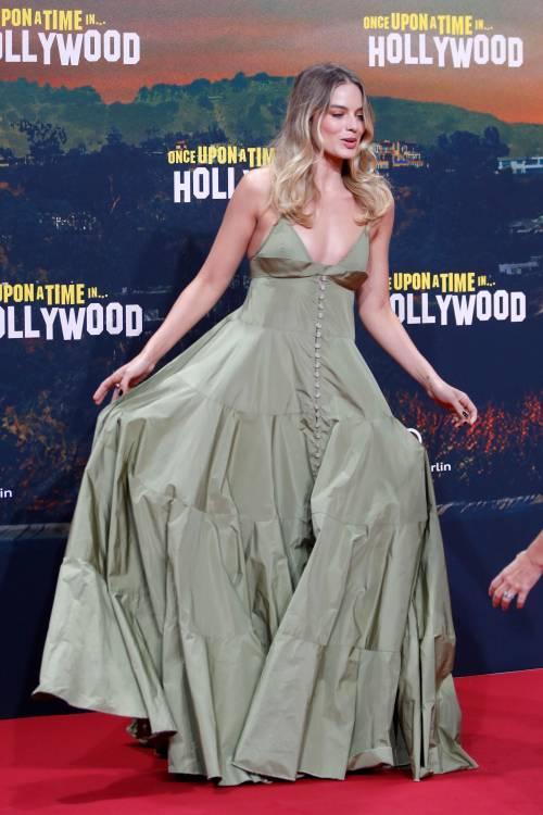 Margot Robbie sul red carpet per Tarantino: foto 8