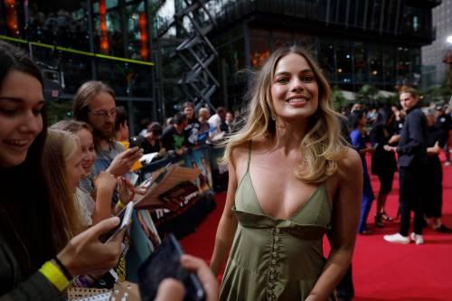 Margot Robbie sul red carpet per Tarantino: foto 6