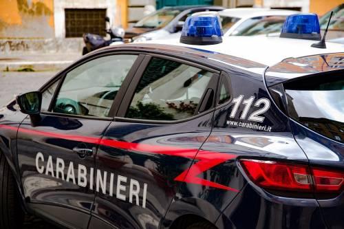 Pusher tenta fuga in Porsche poi dà un pugno al carabiniere
