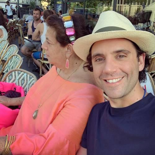 Mika, relax nel mare dell'Argentario insieme al fidanzato