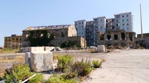 Napoli, la ex Corradini ridotta a macerie 4