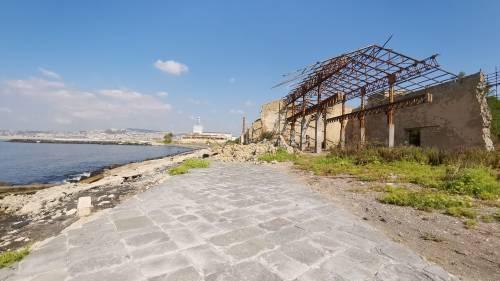 Napoli, la ex Corradini ridotta a macerie 8
