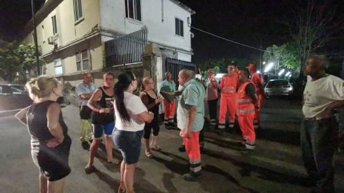 Napoli, donne di nuovo in strada contro il sito di stoccaggio dei rifiuti 2