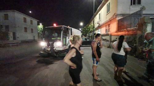 Napoli, donne di nuovo in strada contro il sito di stoccaggio dei rifiuti 3